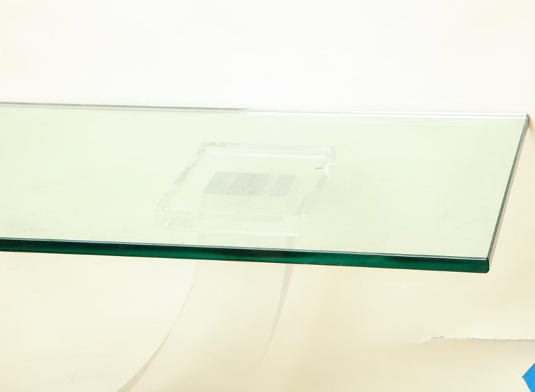 Polished Console Table Mid-Century Modern Architectural Lucite Glass and Brass, 1970s For Sale