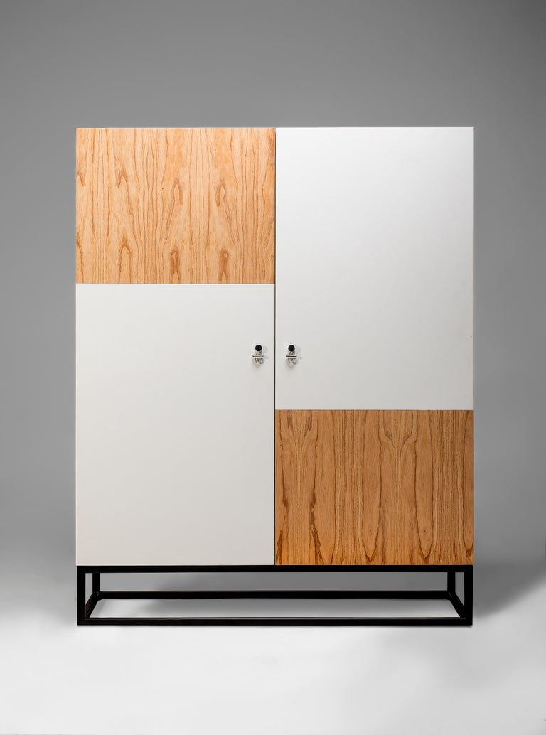 Velvety lined drawers, wood doors and a soft white finish provide architects, interior designers and decorators a blank canvas to compliment any room. The Remo cabinet has all of the characteristic to match a wide range of interior design