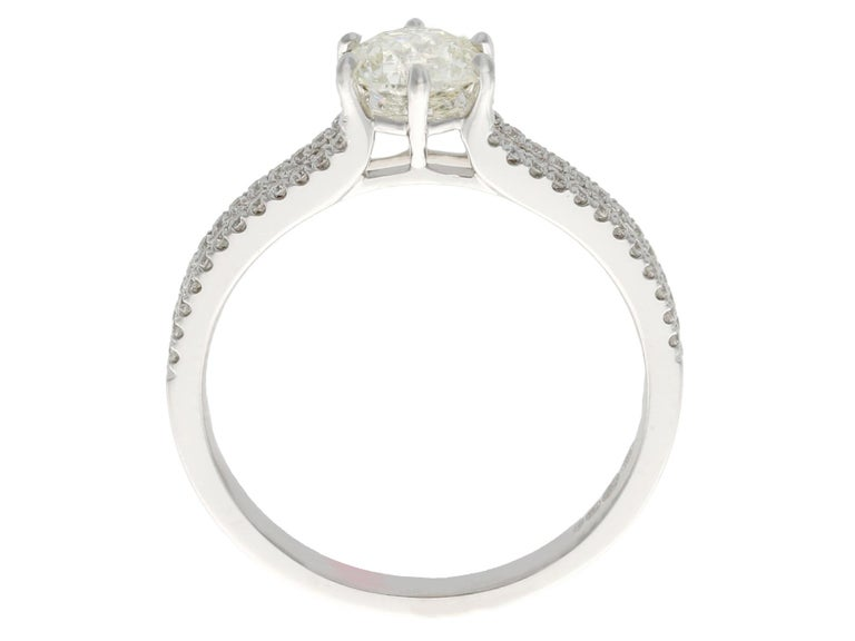Contemporary 0.76 Carat Diamond and White Gold Solitaire Ring For Sale 1