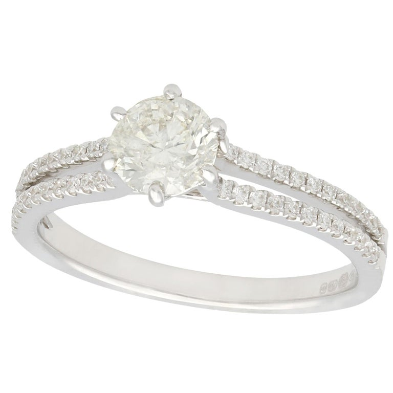 Contemporary 0.76 Carat Diamond and White Gold Solitaire Ring For Sale