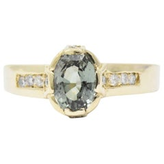 Contemporary 1.25 Carat Alexandrite, Diamond and 14 Karat Gold Ring