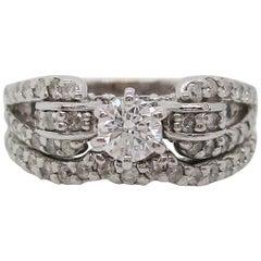 Contemporary 14 Karat White Gold Diamond Bridal Wedding Set