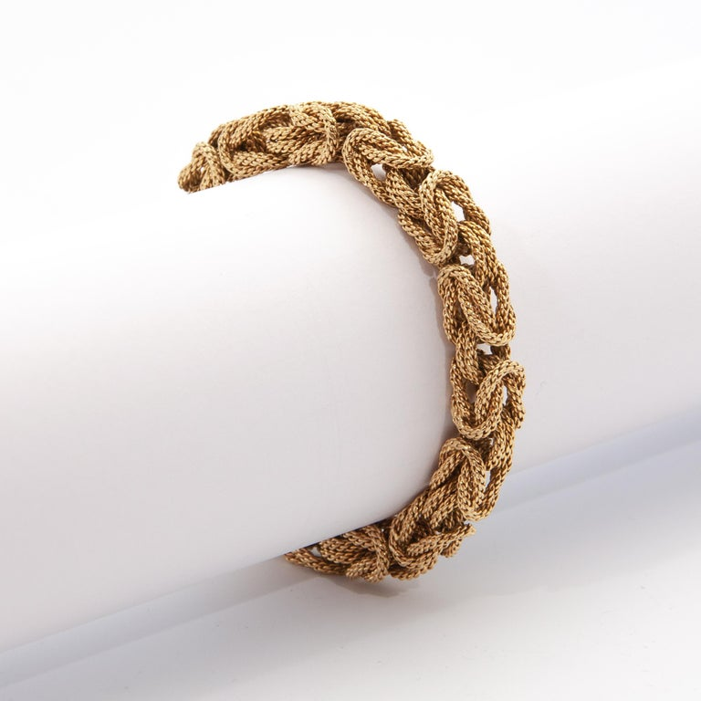 Metal: 18 karat yellow gold Dimensions: Length 21.0 cm, diameter 6.0 cm, height 1.0 cm Weight: 71.5 grams  Stunning Contemporary 18 karat solid yellow gold rope Byzantine king's link bracelet. This exclusive estate design bracelet is very heavy and