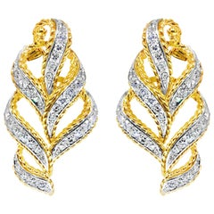 Contemporary 2.00 Carat Diamond Earrings in 18 Karat Yellow Gold