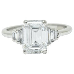 Contemporary 2.20 Carat Emerald Cut Diamond Platinum Engagement Ring GIA