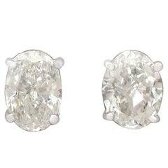 Contemporary 2.14 Carat Diamond and 18 Karat White Gold Stud Earrings