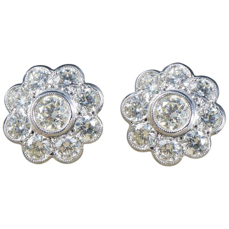 Contemporary 2.50 Carat Total Diamond Flower Cluster Earrings in 18 Carat Gold For Sale