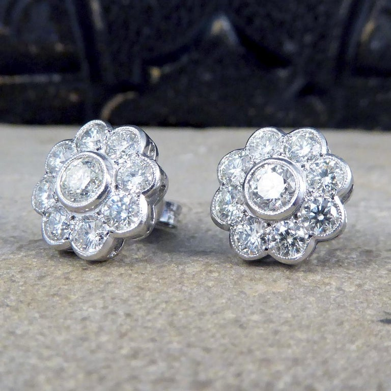 Women's Contemporary 2.50 Carat Total Diamond Flower Cluster Earrings in 18 Carat Gold For Sale