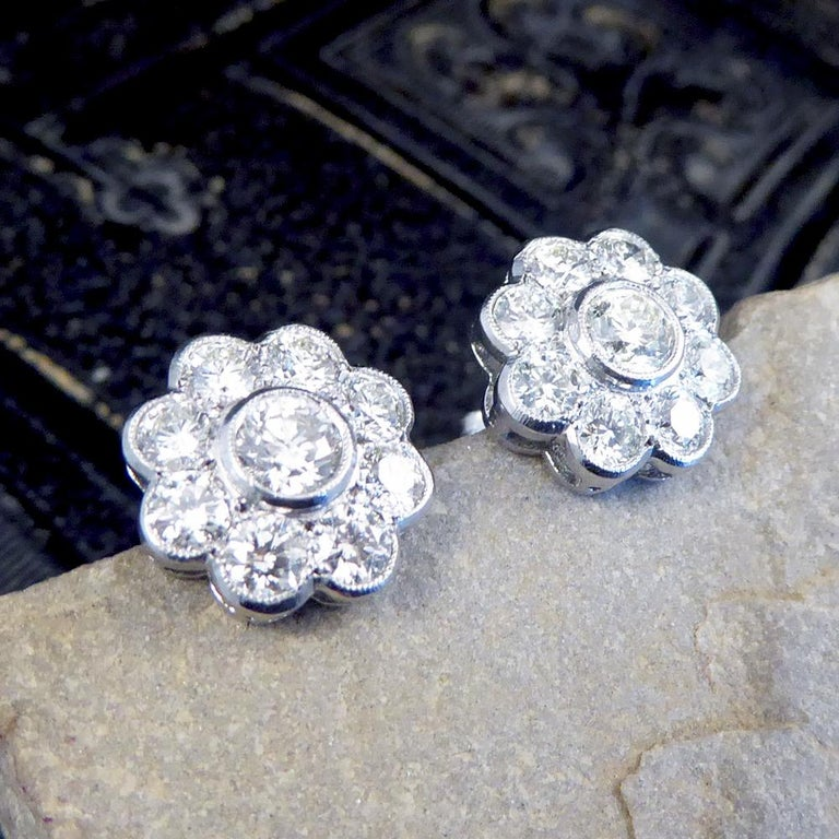 Contemporary 2.50 Carat Total Diamond Flower Cluster Earrings in 18 Carat Gold For Sale 3