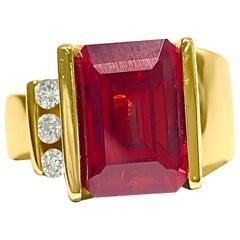 Contemporary 5.00 Carat Garnet Diamond 14 Karat Yellow Gold Ring