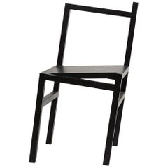 Contemporary 9.5° Chair in Black