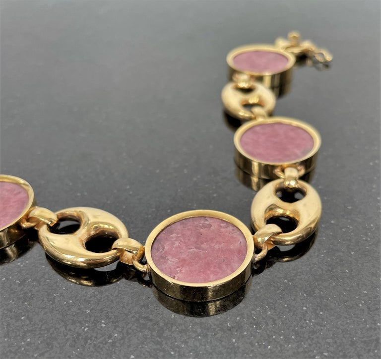 Women's or Men's Contemporary Agate and Yellow Gold
