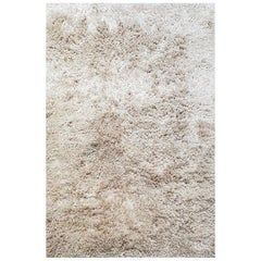 Contemporary Area Rug Pearl Silver, Loom-Knotted Viscose, Super Shag