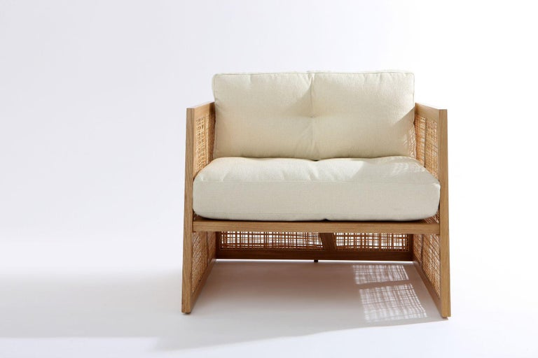 Mid-Century Modern Contemporary Armchair Set of 2 in Natural Straw For Sale