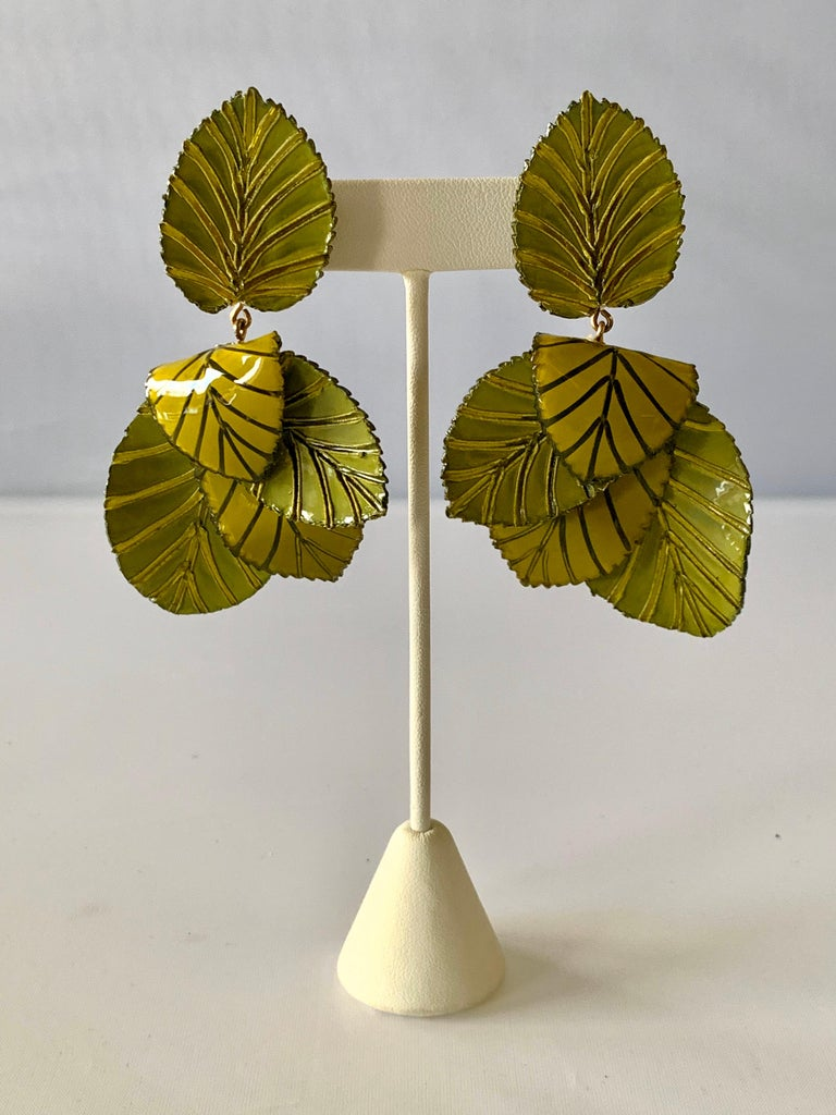 Contemporary Artisan Leaf Statement Earrings In New Condition For Sale In Palm Springs, CA