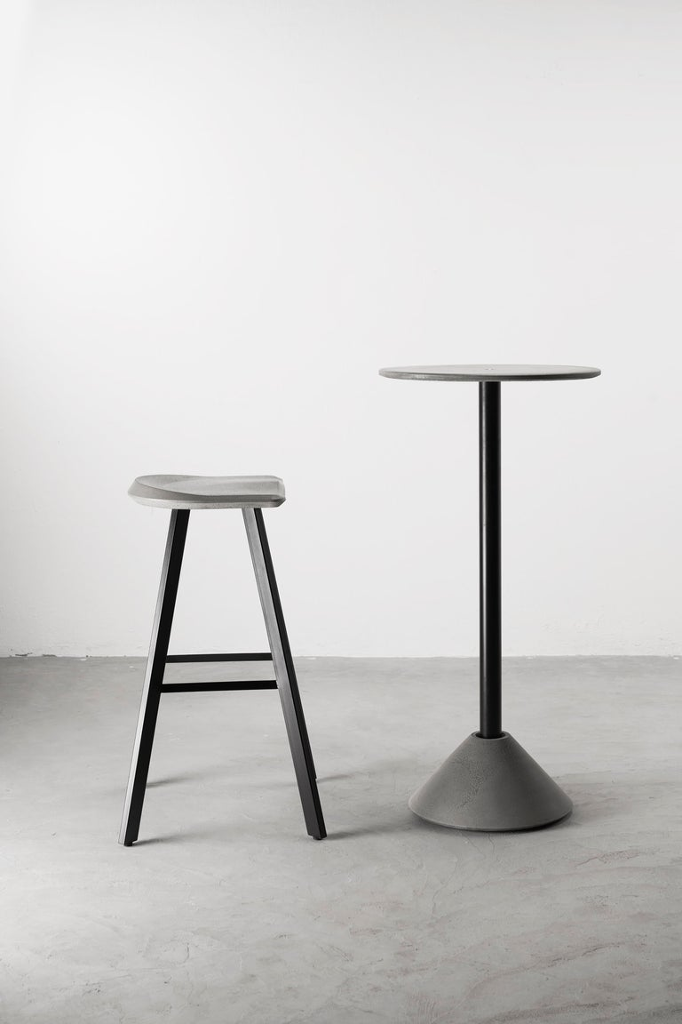 Contemporary Bar Stool 'A' Made of Concrete and Aluminum In New Condition For Sale In Paris, FR