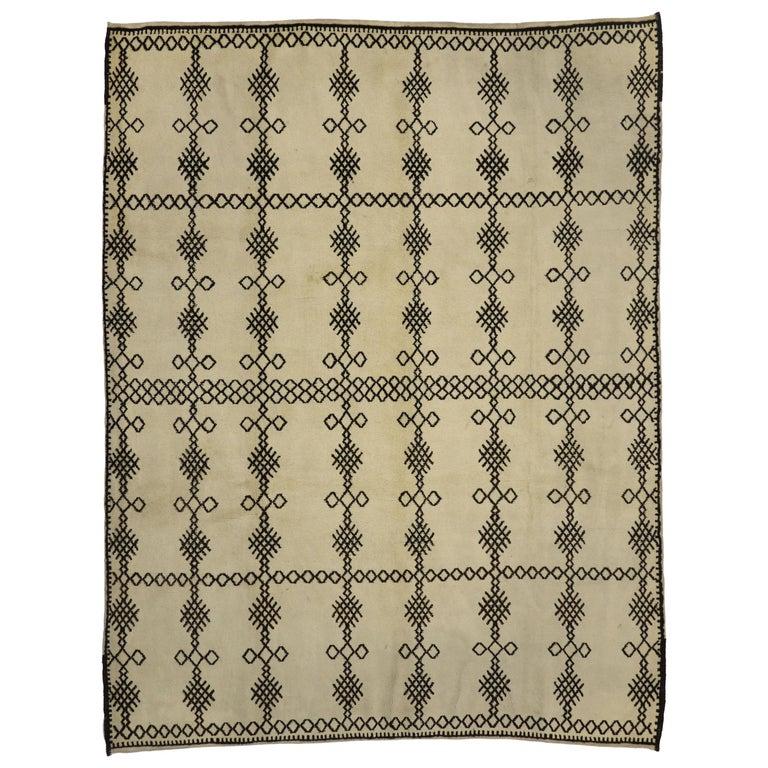 Contemporary Berber Moroccan Rug With Diamond Cross-Hatch