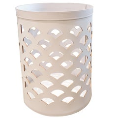 Contemporary Bespoke Venezia 12 Light Grey Leather Round Basket