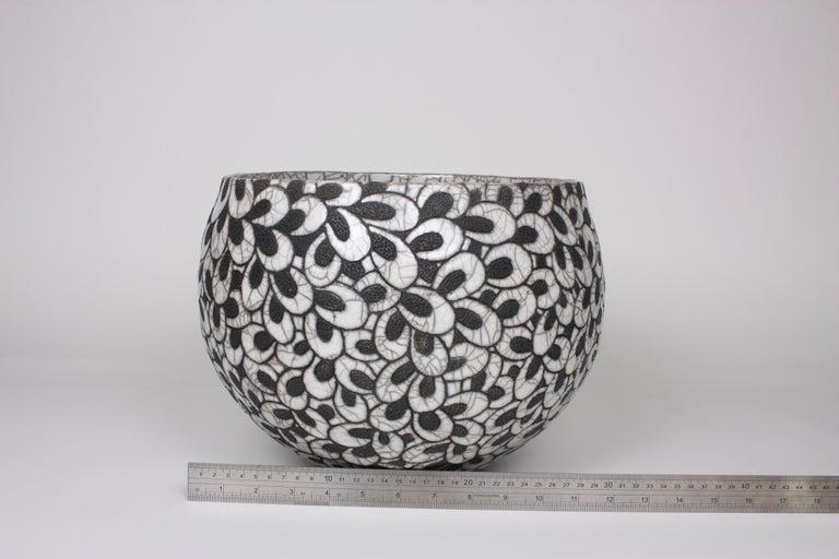 Black and White Ceramic Bowl, Coupe Printemps II For Sale 2
