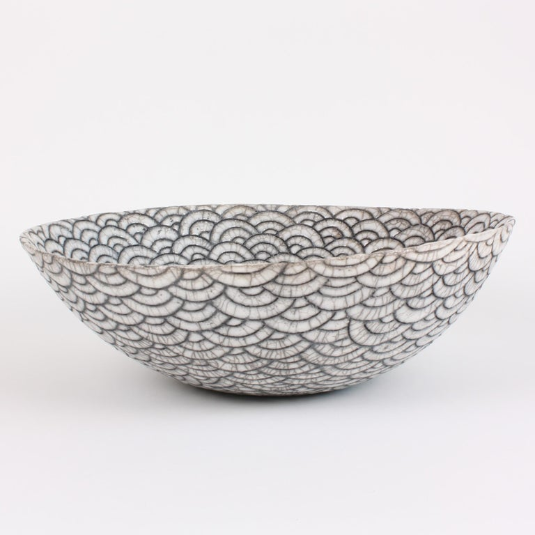 Minimalist Contemporary Black and White Ceramic Bowl, Coupe Japonaise III For Sale