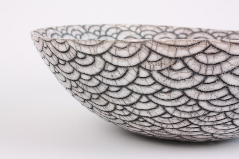 Contemporary Black and White Ceramic Bowl, Coupe Japonaise III For Sale 3