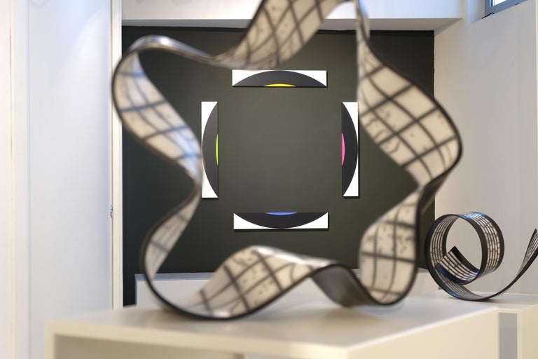 Contemporary Black and White Ceramic Sculpture For Sale 2