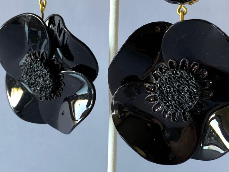 Contemporary Black Poppy Drop Statement Earrings For Sale 1