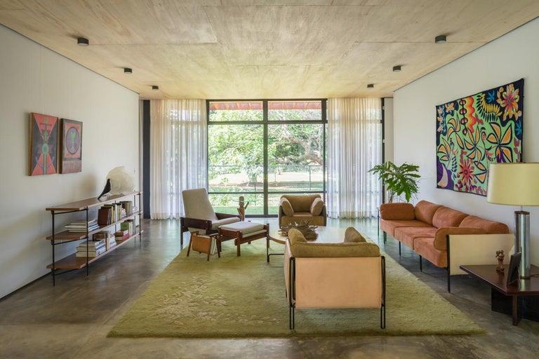 Minimalist Brazilian Sofa ´Sonia´ by Samuel Lamas For Sale 3