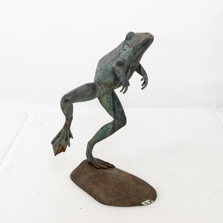 Contemporary Bronze Frog Fountain In Good Condition In Stamford, CT