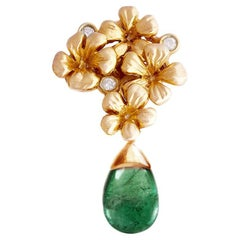 Contemporary Brooch in 18 Karat Rose Gold with Emerald and Diamonds