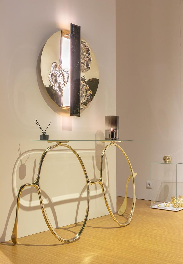 Modern Lennon Golden Console Table, Polished Brass and Glass Top, Art Console For Sale 3