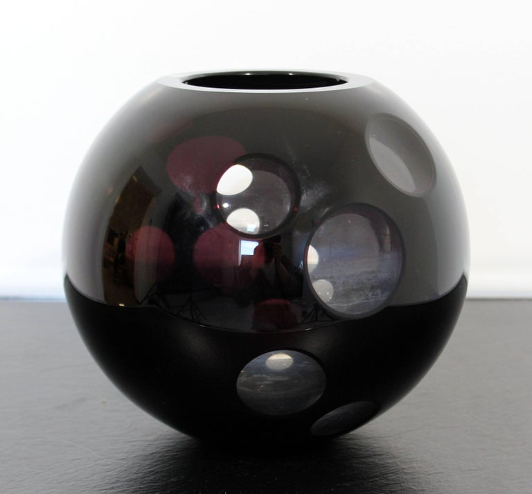Contemporary Cased Mazzega Murano Black Glass Vase Art Sculpture Polished Lenses In Good Condition For Sale In Keego Harbor, MI