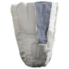 Zeitgenössische Keramik Cartocci Textur weiß und grau groß Vase