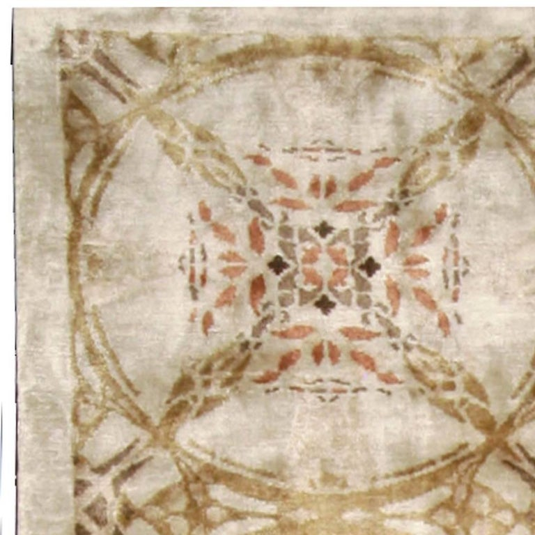 Contemporary Cinnamon Hand Knotted Silk Rug In New Condition For Sale In New York, NY