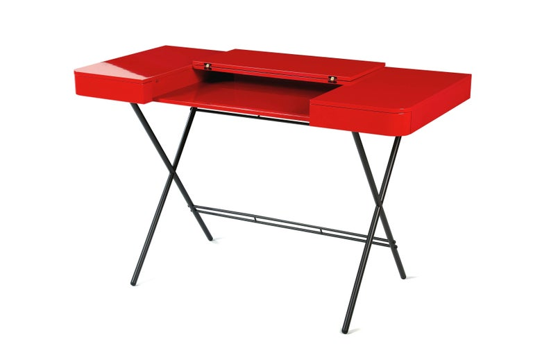French Contemporary Cosimo Desk by Marco Zanuso Jr. Red Glossy Lacquered Top For Sale