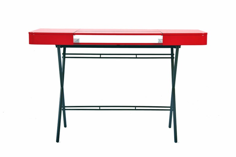 Contemporary Cosimo Desk by Marco Zanuso Jr. Red Glossy Lacquered Top In New Condition For Sale In Paris, FR