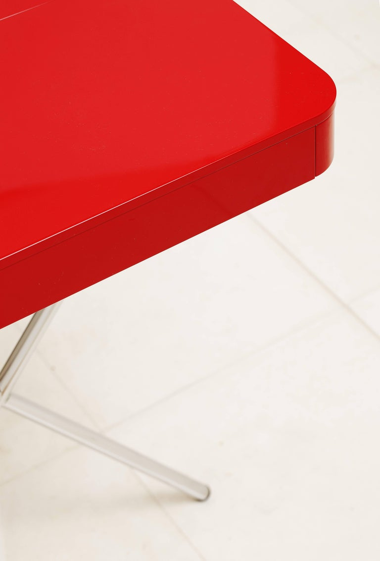 Contemporary Cosimo Desk by Marco Zanuso Jr. Red Glossy Lacquered Top For Sale 1