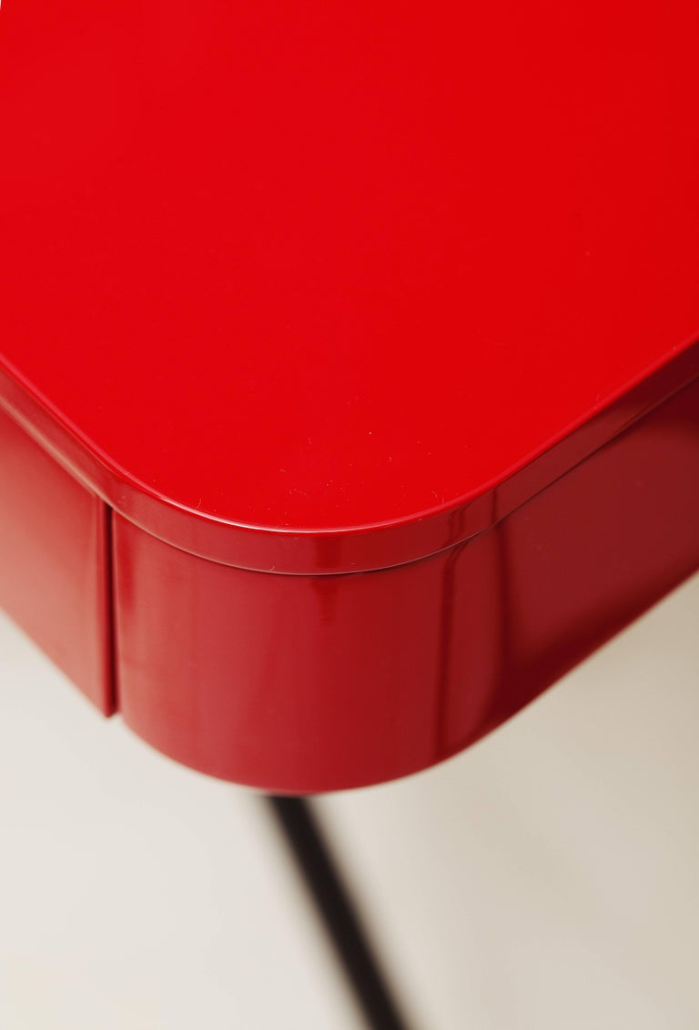 Contemporary Cosimo Desk by Marco Zanuso Jr. Red Glossy Lacquered Top For Sale 2