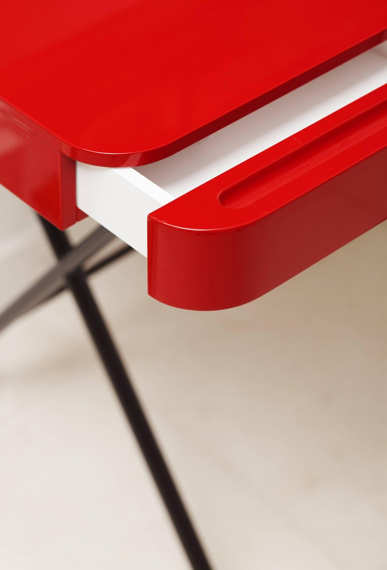Contemporary Cosimo Desk by Marco Zanuso Jr. Red Glossy Lacquered Top For Sale 3