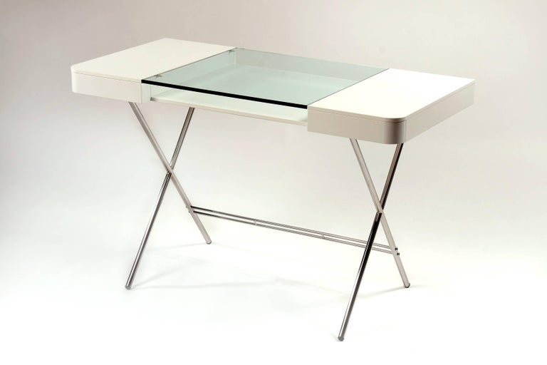 French Contemporary Cosimo Desk by Marco Zanuso Jr. White Mat Lacquered and Glass Top For Sale