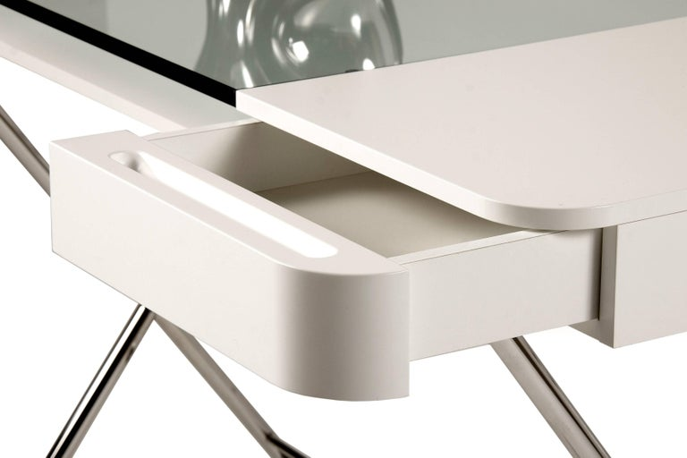 Contemporary Cosimo Desk by Marco Zanuso Jr. White Mat Lacquered and Glass Top In New Condition For Sale In Paris, FR