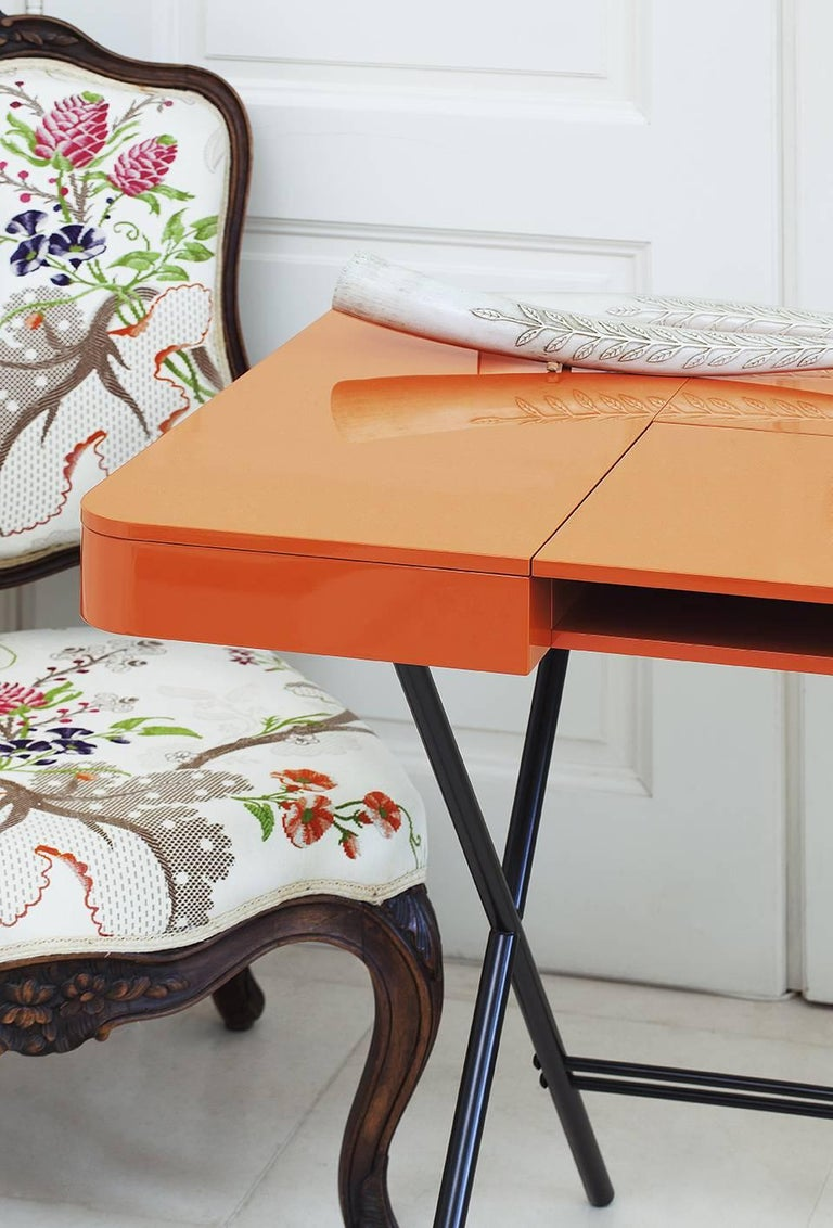 Contemporary Cosimo Desk by Marco Zanuso Jr. with Orange Glossy Lacquered Top For Sale 4