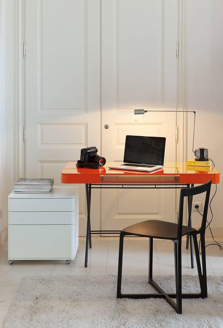 Contemporary Cosimo Desk by Marco Zanuso Jr. with Orange Glossy Lacquered Top For Sale 6