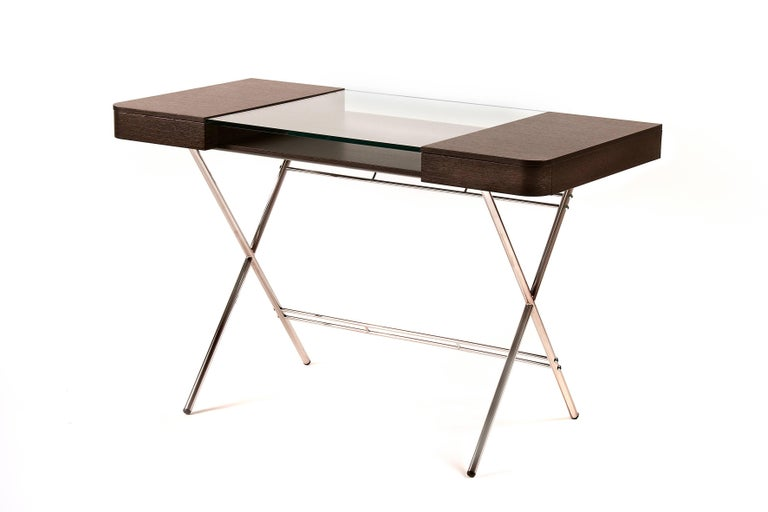Cosimo desk was designed by the architect Marco Zanuso Jr for luxury French furniture brand, Adentro Paris. Ideal for a contemporary home office space, Cosimo desk comes in various finishes.