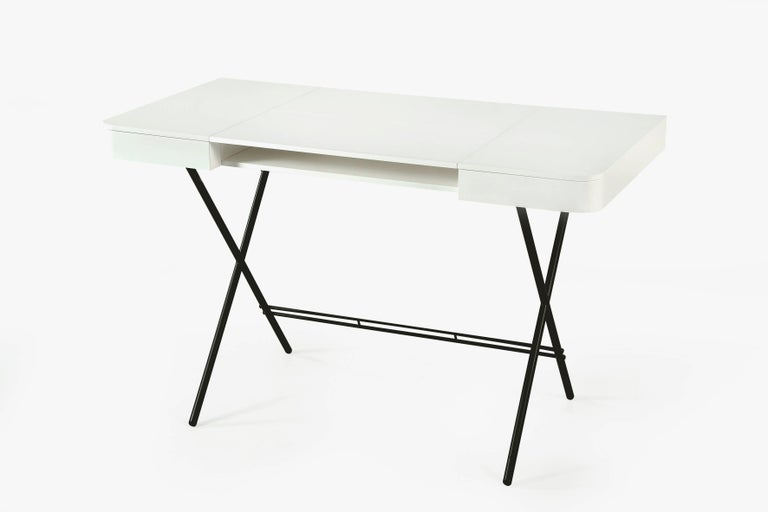 Contemporary Cosimo Desk by Marco Zanuso Jr. with White Mat Lacquered Top For Sale 1