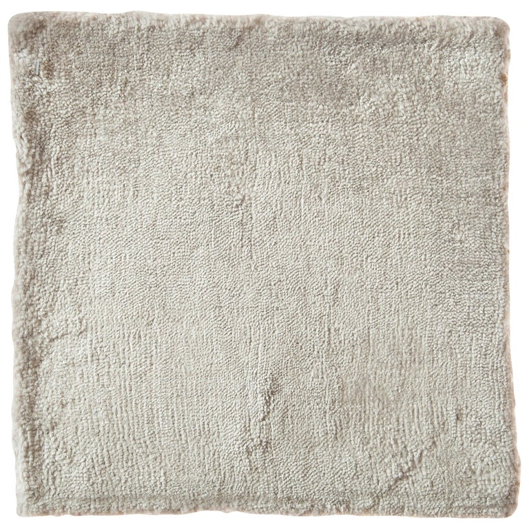 Contemporary Cream with Silver Tonal Hand-Loomed Bamboo Silk Rug For Sale