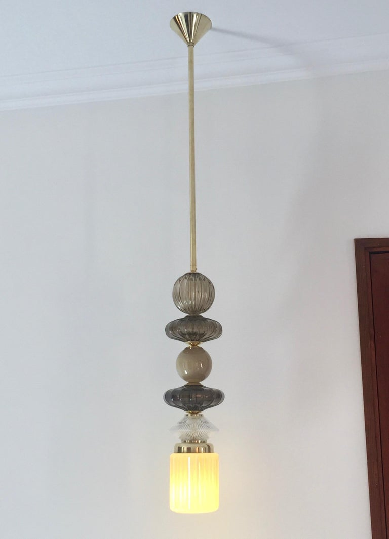 Contemporary Customizable Taupe Gold Ivory White Murano Glass Pendant Chandelier For Sale 5