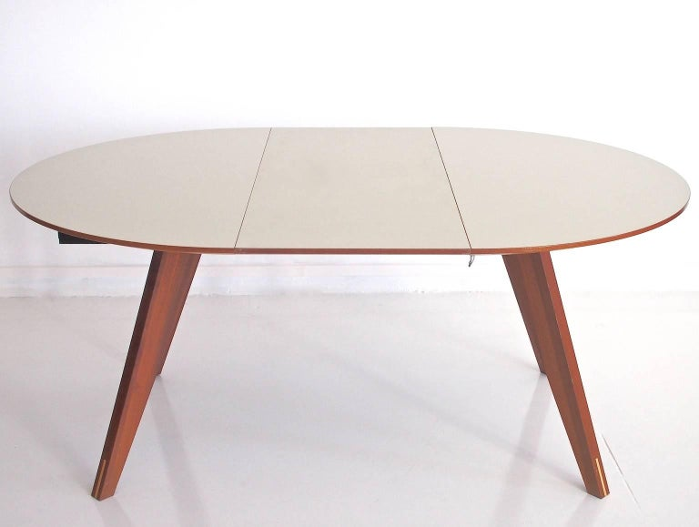 Contemporary Danish Extendable Dining Table by Bolia In Good Condition For Sale In Madrid, ES