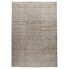 Contemporary Decorative Handknotted Rug with a Floral Design