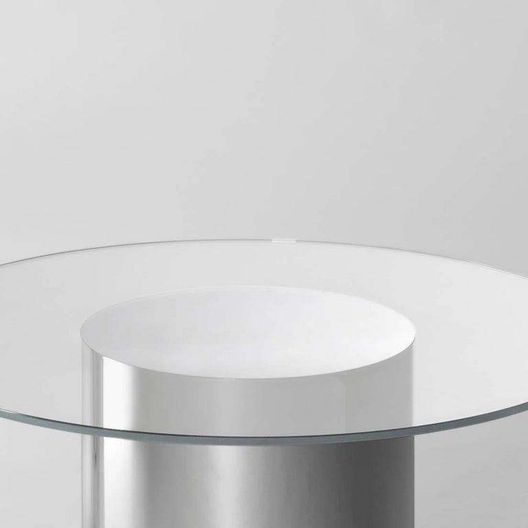 Side table model '2001' designed by Ramon Úbeda and Otto Canalda.